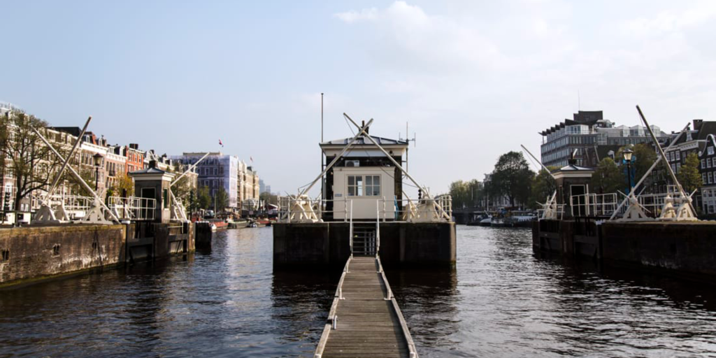 Micro-suites Bring Life Back to Amsterdam Canal Huts