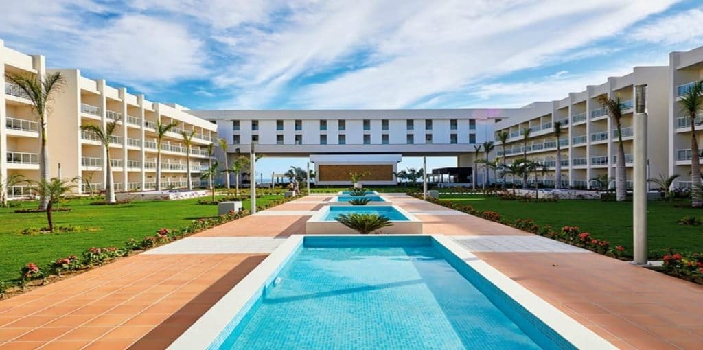 RIU presents the luxurious, pioneering Hotel Riu Palace Baja California