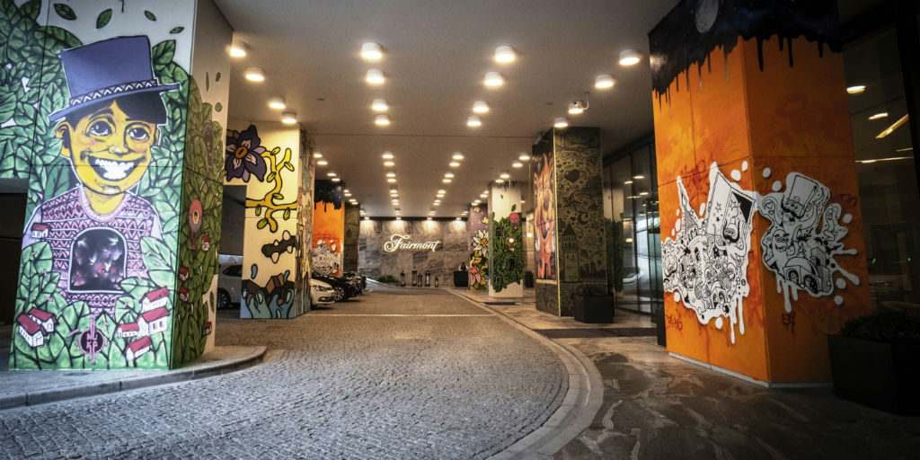 Fusion street art: Fairmont Quasar Istanbul's awesome entrance gallery [Video]