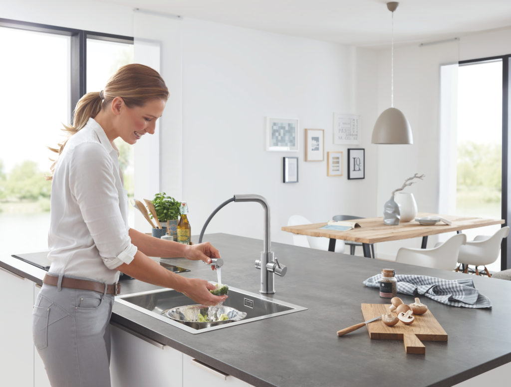 "Smart Water System: GROHE Blue Home Pull-Out Connected is ""Kitchen Innovation of the Year 2019"""