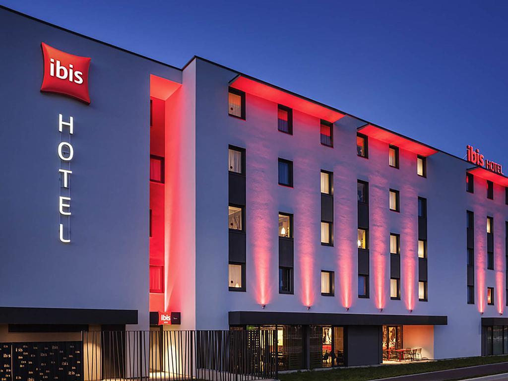 Ibis, the music hotel?: Accor news roundup [Infographic]