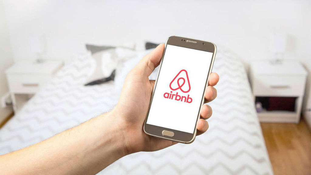 A first in 2018: American consumers spent more on Airbnb than on Hilton