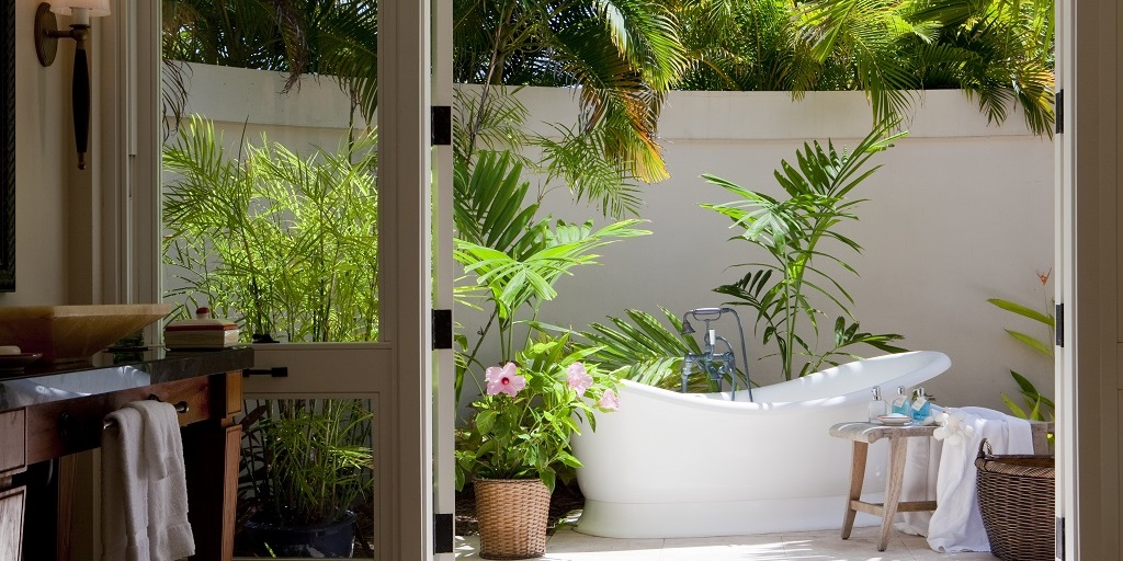 Victoria + Albert Baths celebrates outdoor bathing