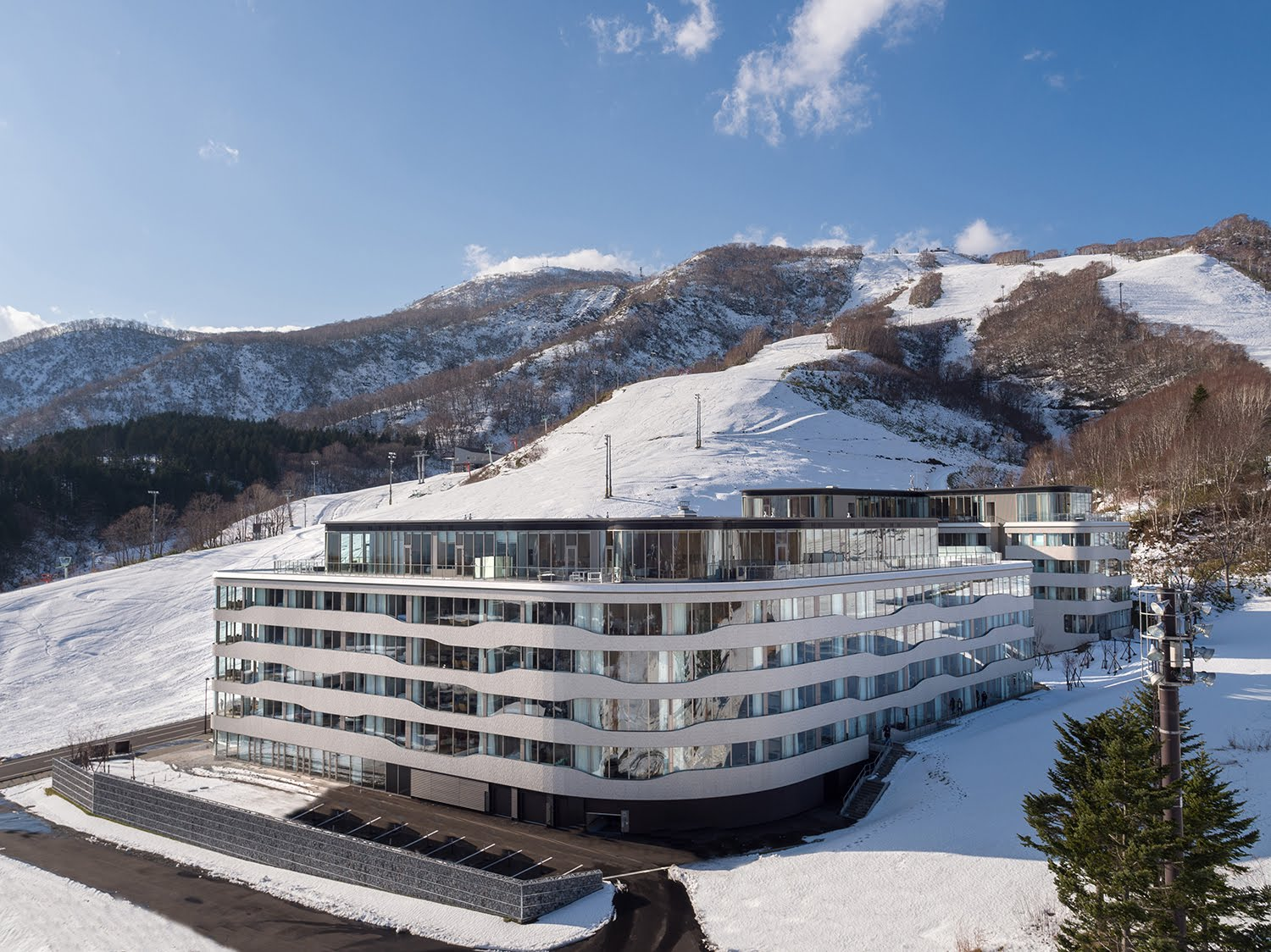 Wilson Associates unveils luxury condominium-hotel in Japanese ski resort