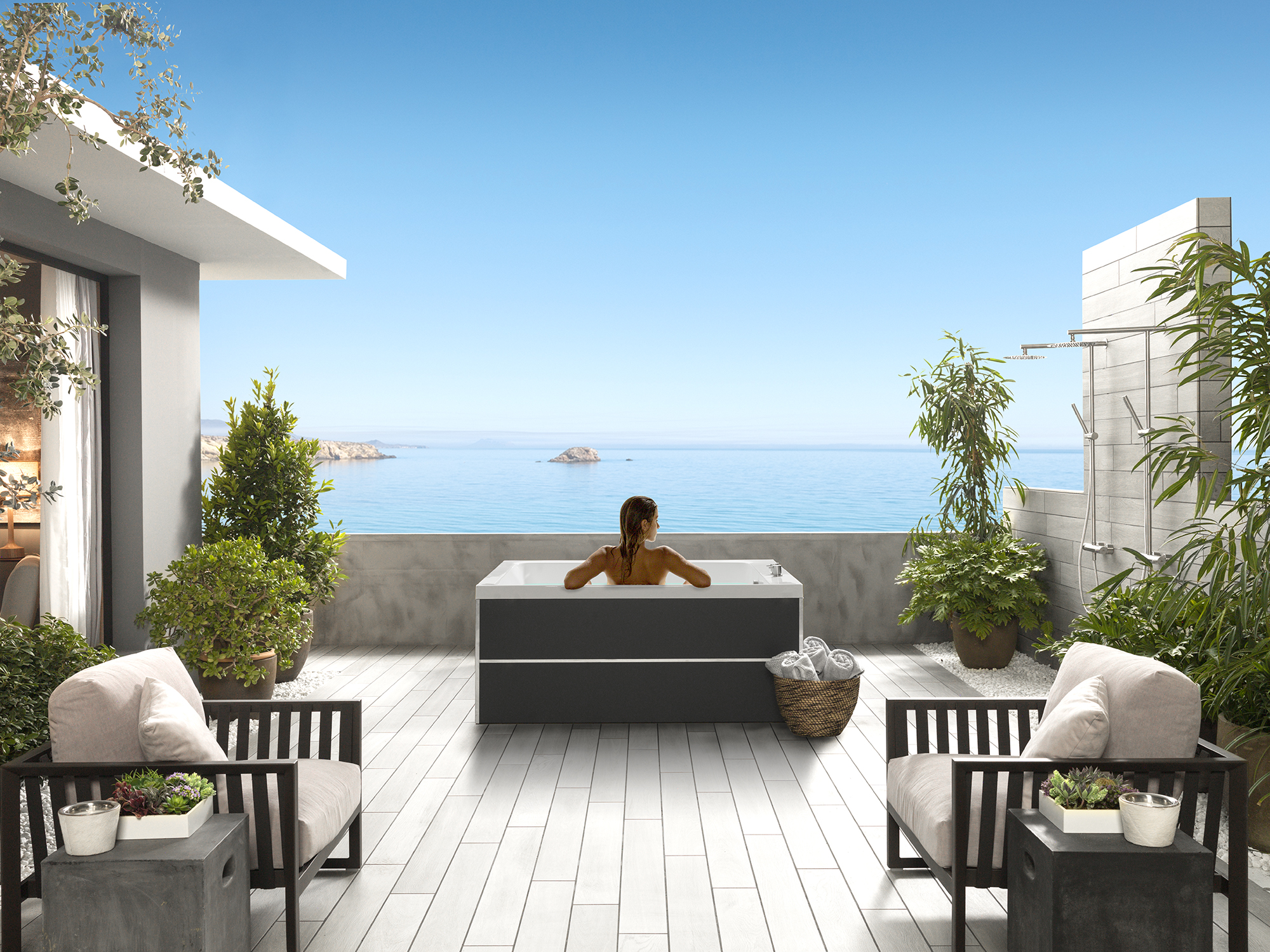 Outdoor bathtubs: the new bathroom experience. Pleasurable moments under the sky