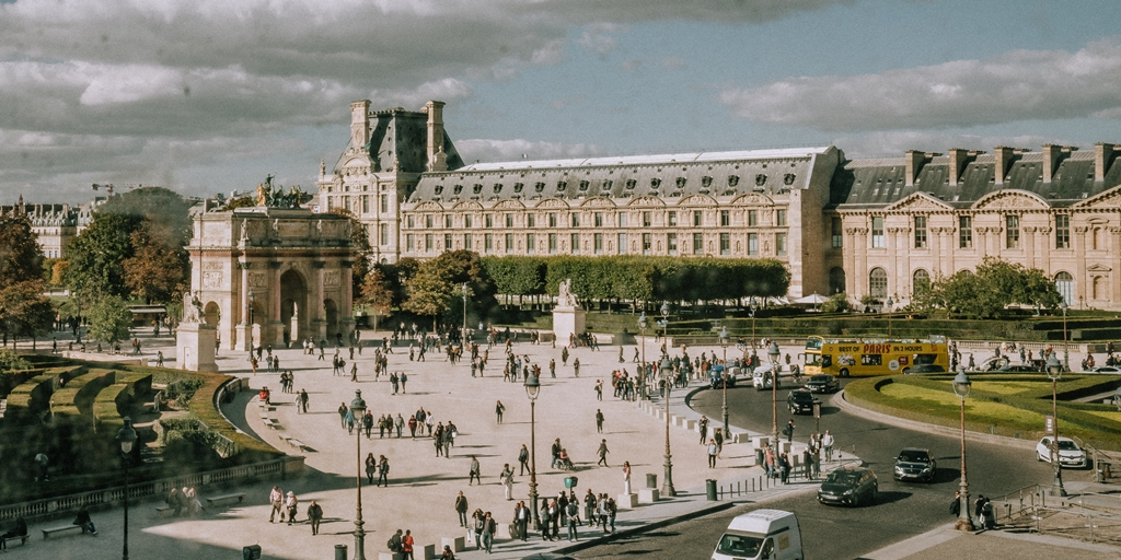 Is Airbnb driving families out of central Paris?