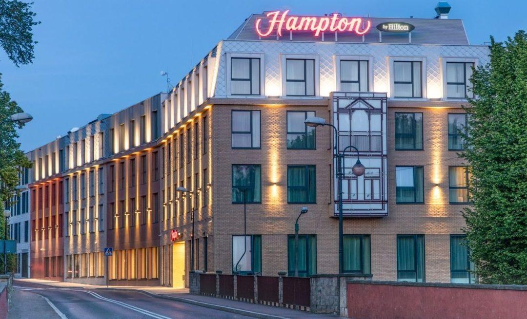 Enfoque específico: Hampton by Hilton celebra su propiedad numero 2500 [infografía]