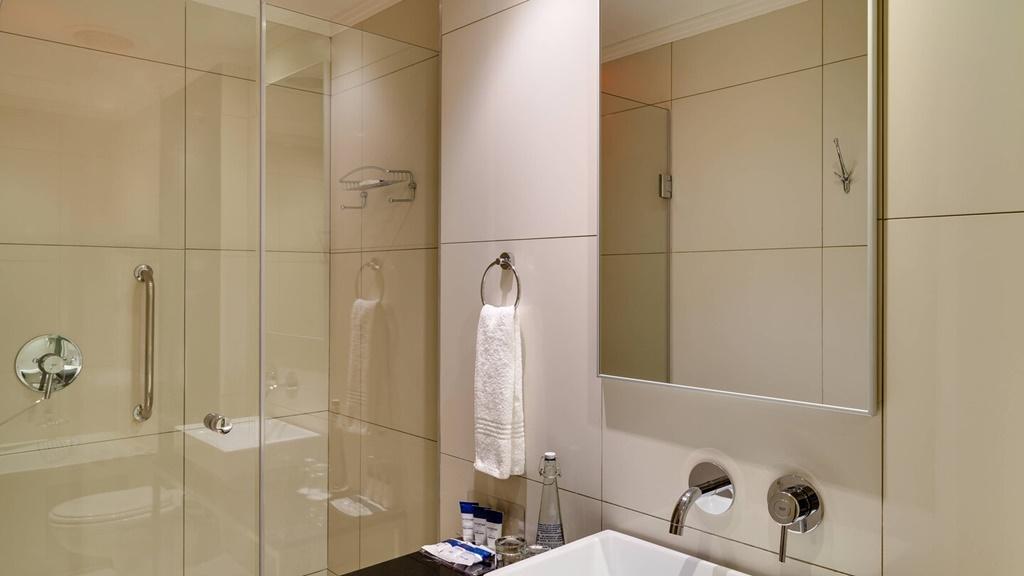 durur-bathroom-0049-hor-wide