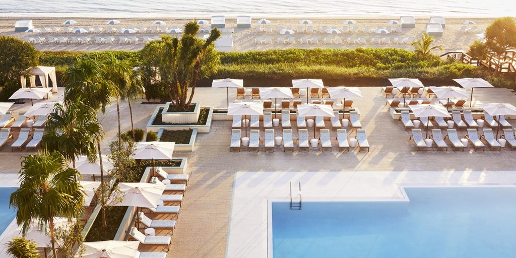 Tribù produced bespoke outdoor furniture for Four Seasons Palm Beach designed by Martin Brudnizki