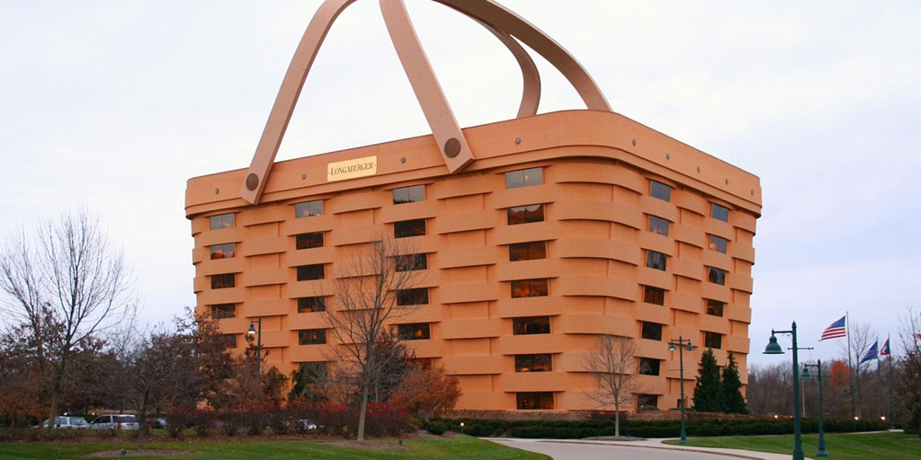 Picnic basket or luxury hotel? You can have both!
