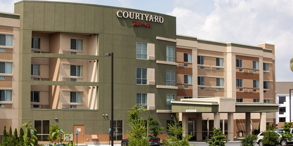 Brand overview: Courtyard by Marriott expects to grow by over 16,000 rooms [Infographic]