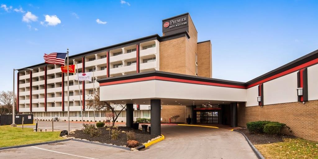 Sports fans in Kansas City celebrate newly renovated Best Western property