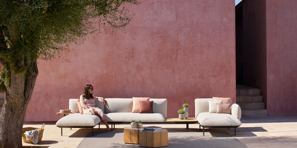 Tribù's versatile Senja sofa offers endless design choices for ultimate outdoor lounge comfort.