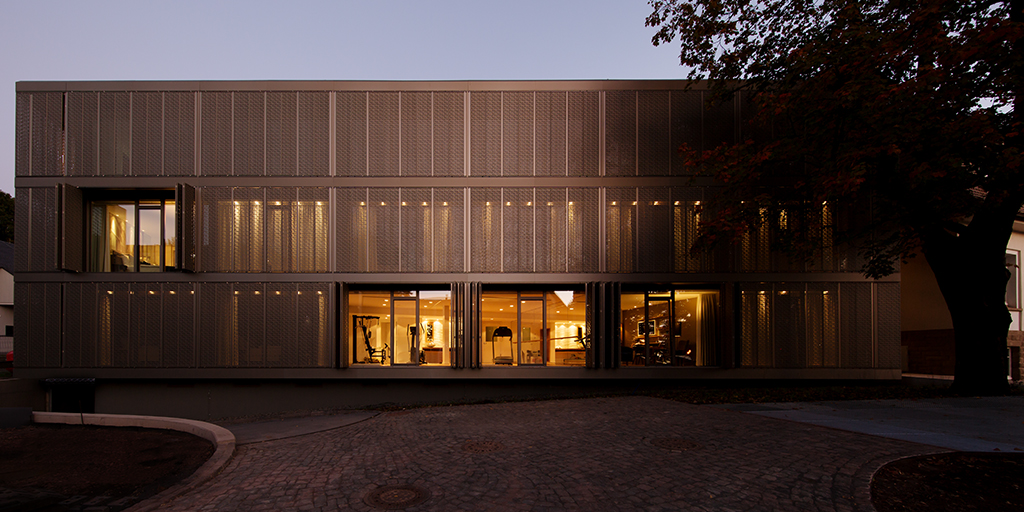 A fascinating play of light – for a distinctive hotel facade