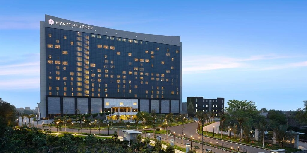 Covid19 hotel development analysis: Hyatt Hotels Corporation [Infographic]