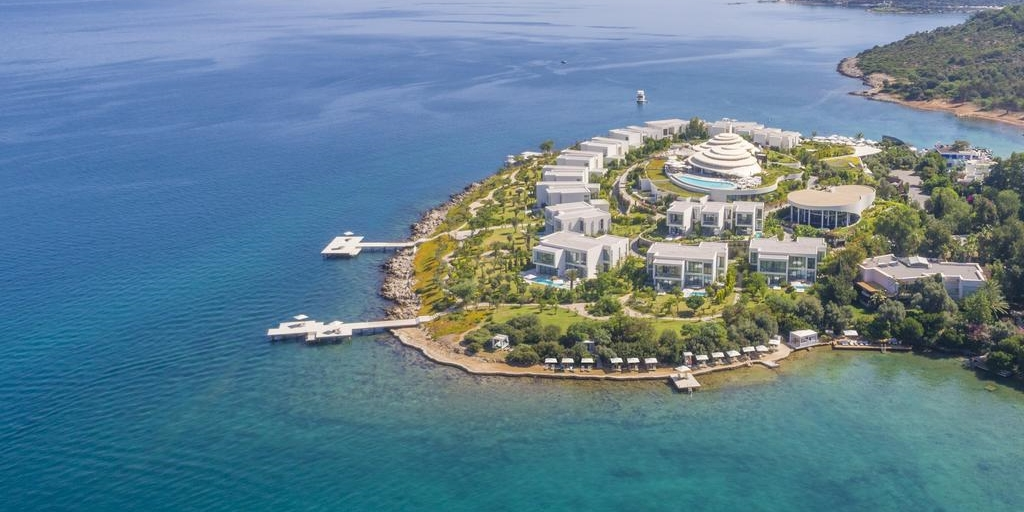 Spectacular LXR resort launches on Aegean Coast