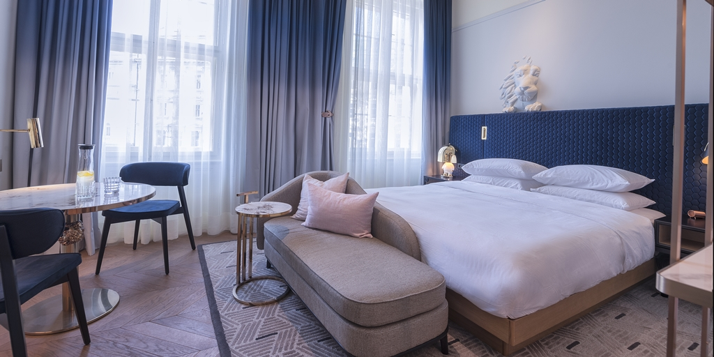 BrimeRobbins reveals sneak peek of stylish Andaz Prague