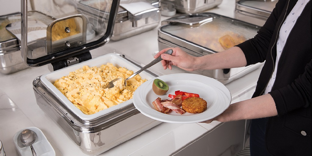 Undercounter, built-in or tabletop induction units for buffets