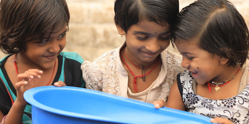 GROHE supports the 'Make a Splash!' partnership between LIXIL and Unicef to improve access to sanitation and hygiene for underserved communities