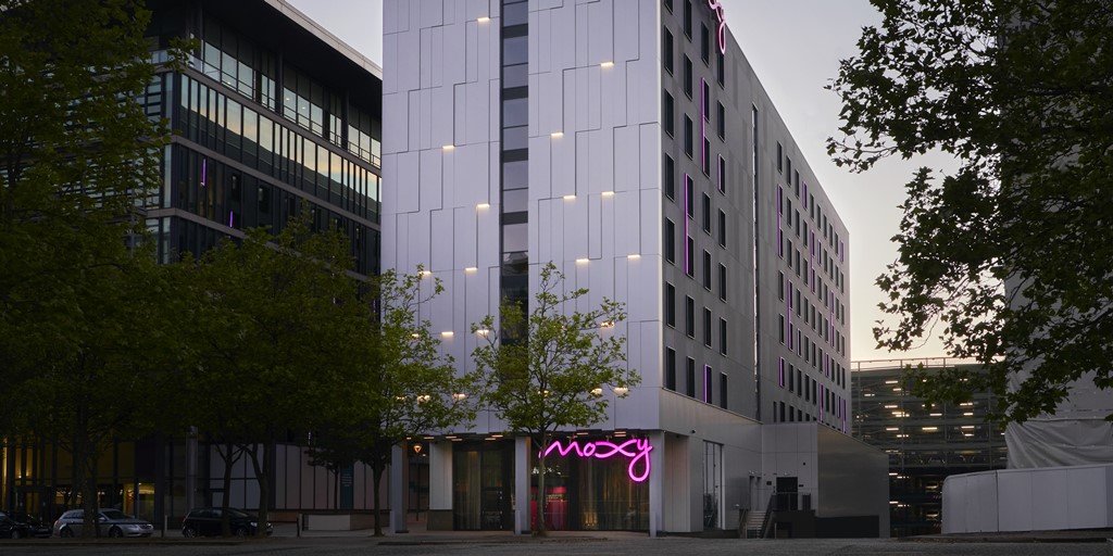 Racing-themed Moxy Milton Keynes welcomes first guests